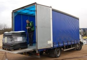 garden supplies tail lift delivery